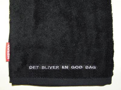 Broderi-og-tag-golfhåndklæde-uniquemade