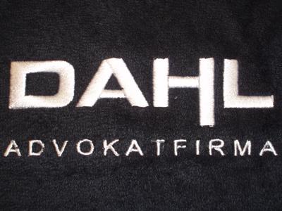 Håndklæder-med-Dahl-logo-broderi-uniquemade
