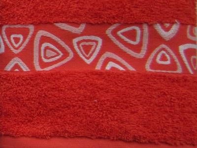 Håndklæder-med-indvævet-logo-i-borten, uniquemade