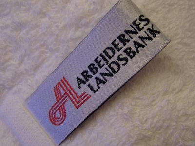 Håndklædestroppe-med-logo-uniquemade
